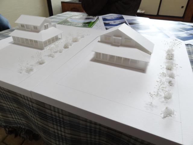 模型で屋根形状を検討。【雁木の家】:画像
