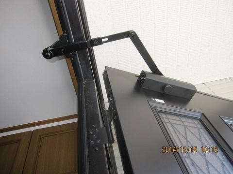 玄関ドアクローザーの調整方法:画像