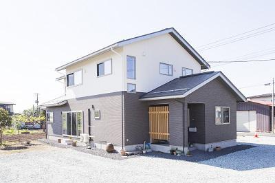階層分離型2世帯住宅〜和室続き間・玄関共有バージョン〜:画像