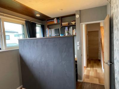 書斎と一体化の寝室:画像