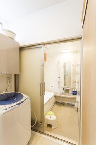 バリアフリー仕様の洗面脱衣室:画像