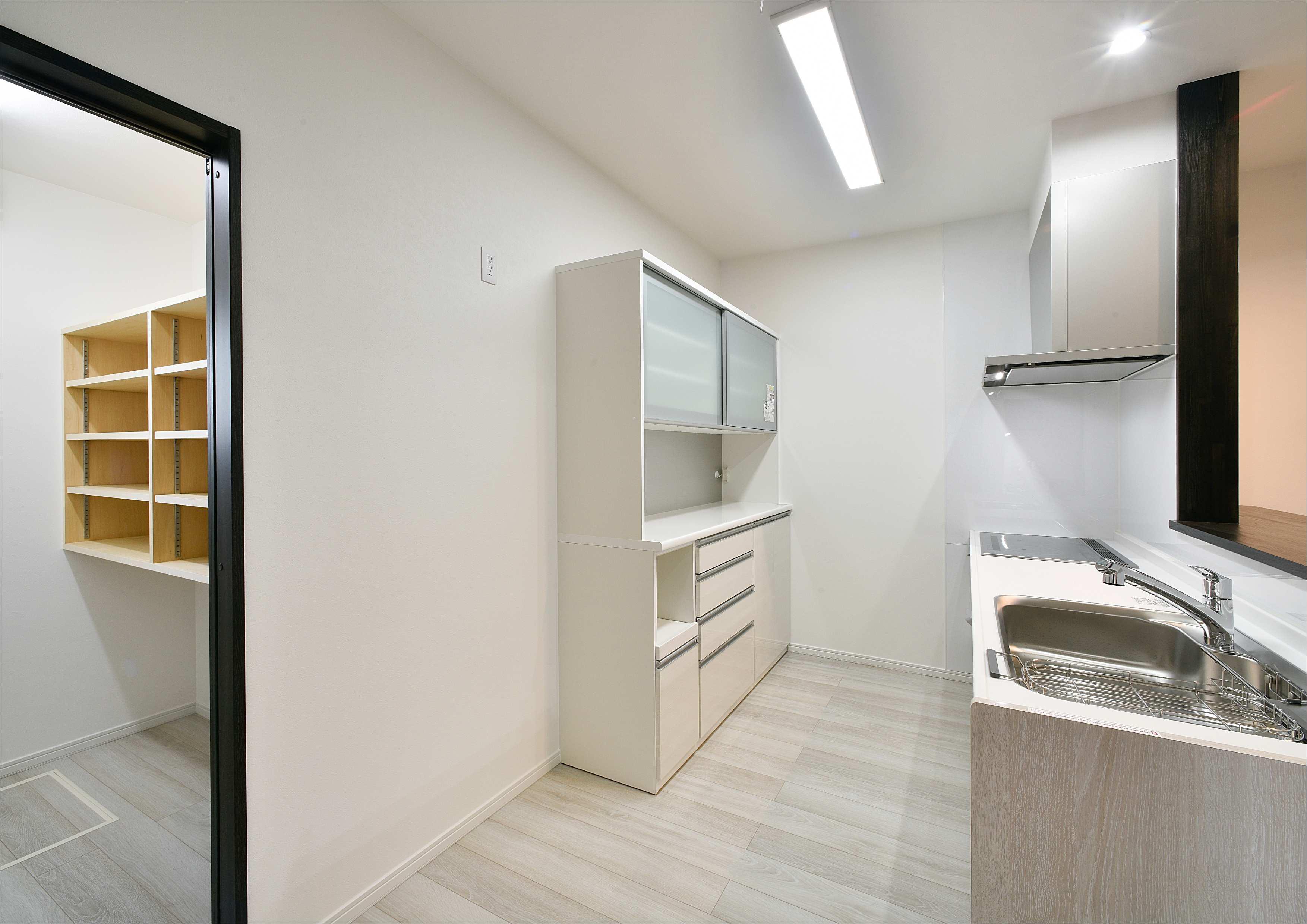 キッチン&食品庫
