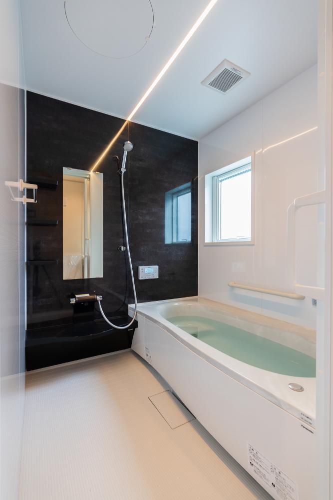浴室 照明が癒しのひと時を演出