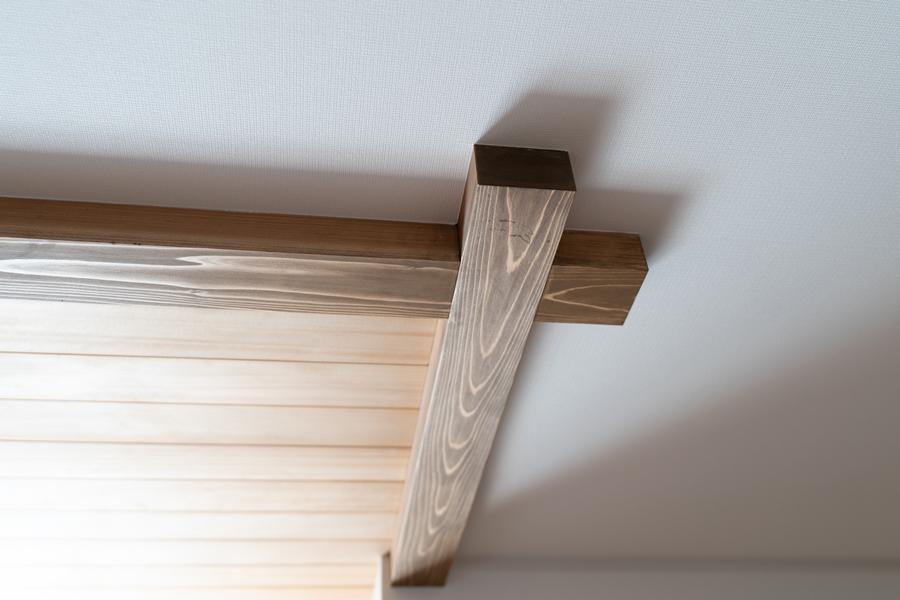 リビング板張り天井