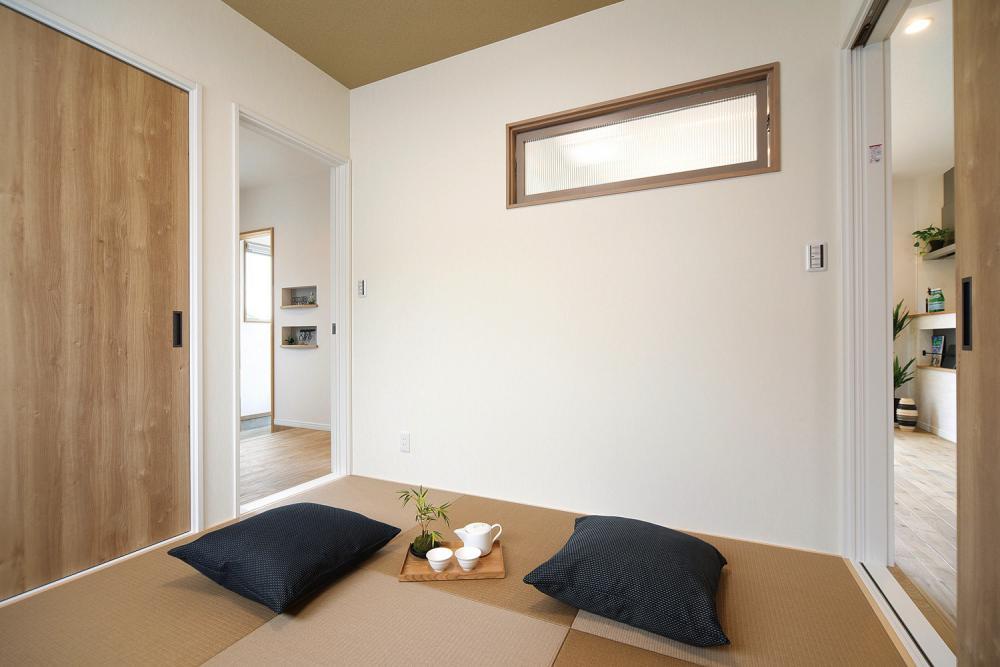 室内高窓付き和室