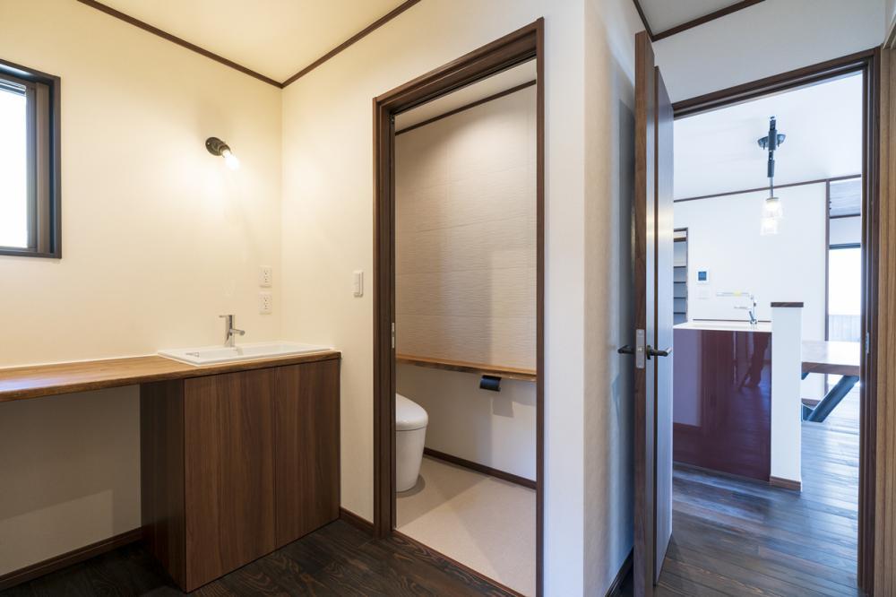 造作洗面台・トイレ