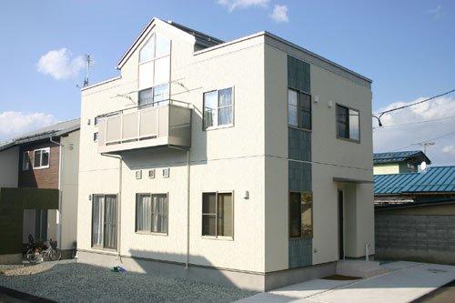 スキップフロアのあるSIMPLE MODERN / 山形市O様邸:画像