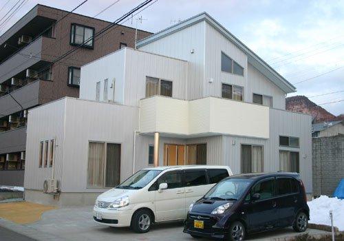 シャープデザインのプラチナモダン住宅 / 山形市S様邸:画像