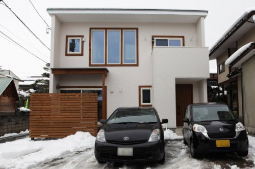 アンティークとシンプルモダンの融合した家+屋根遮熱 / 山形市 S様邸:画像