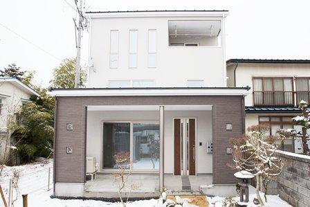 中間収納のあるハイスペックなテラスハウス / 山形市A様邸:画像