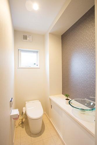 おしゃれな手洗いボールのトイレ:画像
