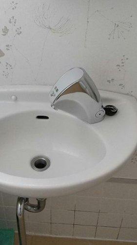 コロナ対策 自動水栓に交換:画像