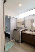 シックな洗面脱衣室・浴室:画像
