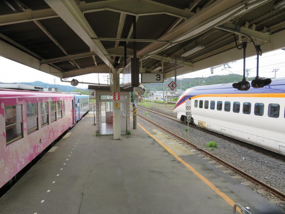 長井線リポート(36) 新幹線とマッチ箱:画像