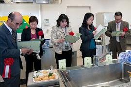 ▲農産加工開発指導アドバイザー、マーケティングデザイナー、量販店バイヤー、フードアナリスト、食品加工専門家の5名の審査員。